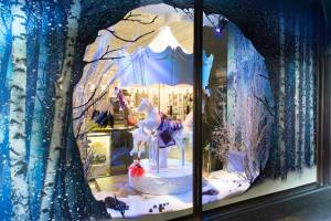 best-window-displays_harrods_2014_christmas_the-land-of-make-believe_05