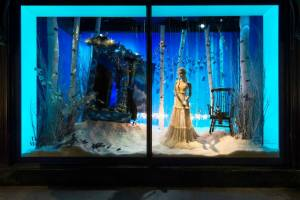 best-window-displays_harrods_2014_christmas_the-land-of-make-believe_08